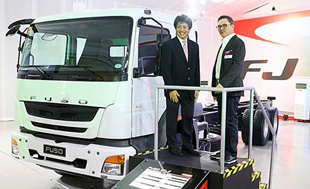 MMPC's Yoshiaki Kato (L) and DMC's George Blaylock (R) showed steadfast commitment to push the product line in the Philippines.